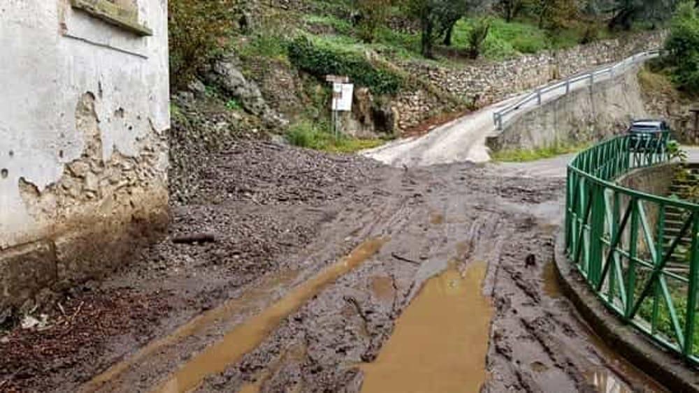Strada Tramonti-Maiori ancora chiusa al traffico: vertice in Provincia