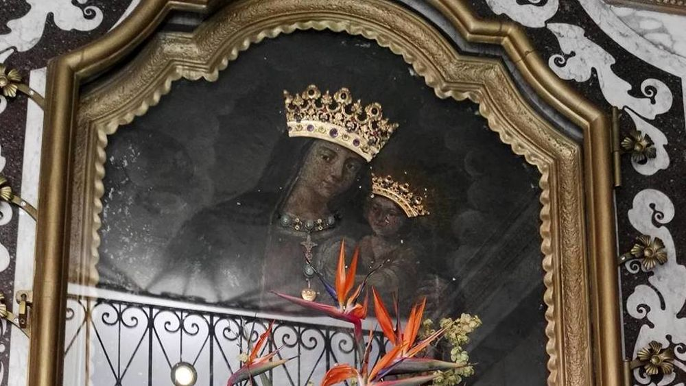 Salerno Il Miracolo Della Madonna Delle Grazie In Piazza