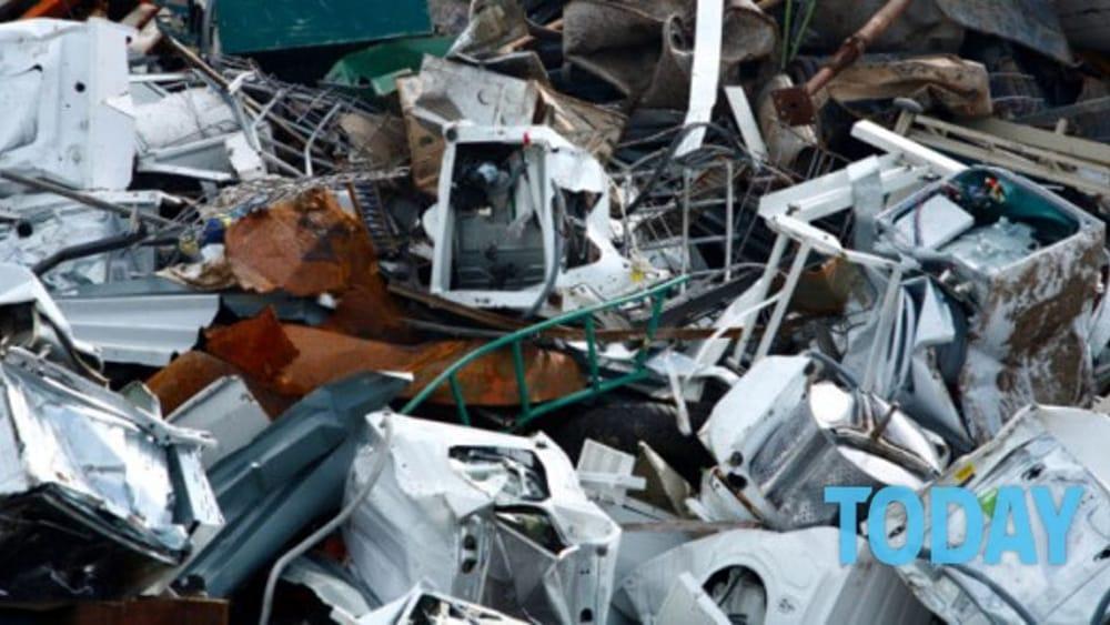 Consorzio Ecolamp, raccolte 12 tonnellate di lampadine a Salerno