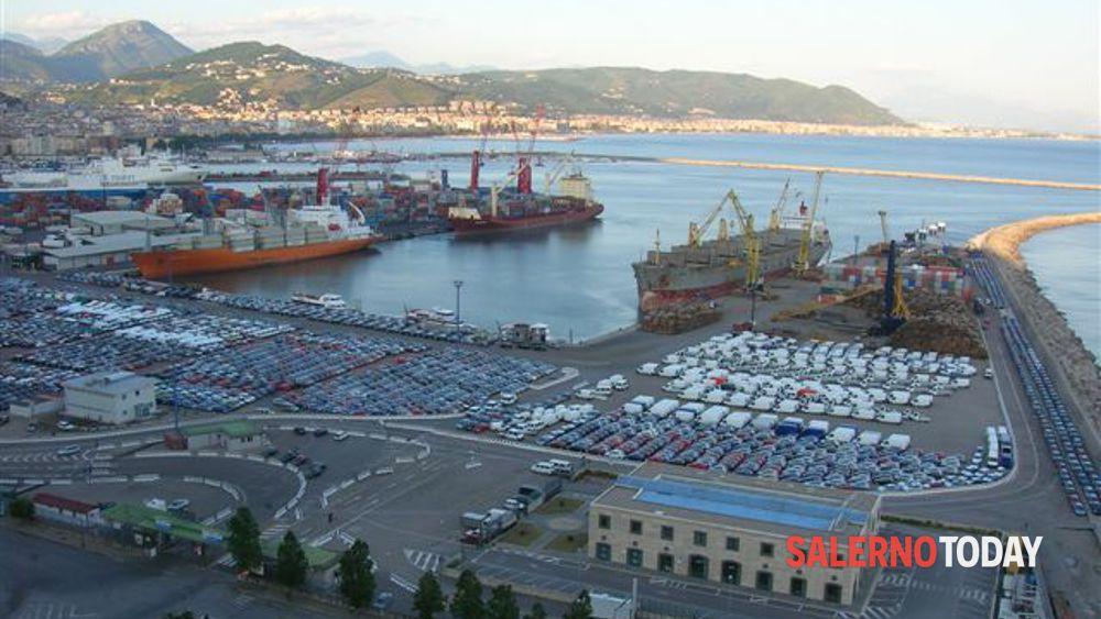 Porto di Salerno 8d8ac7917cd