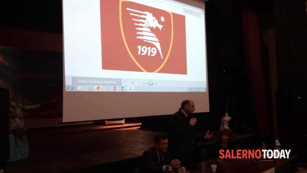 Salernitana, un logo e un video per il Centenario